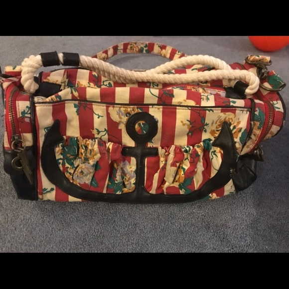 Betsey Johnson Handbags - Vintage Cross Body Bag Betsey Johnson